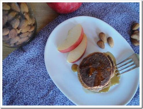 grain free almond apple pancakes (19) (475x356)