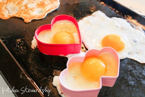 Cooking Heart Fried Eggs