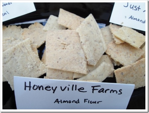 almond flour crackers comparison (6) (475x356)