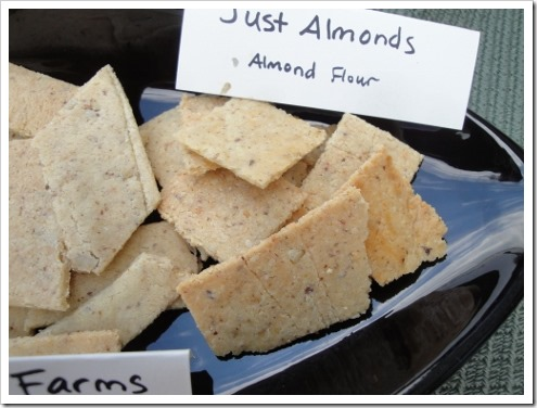 almond flour crackers comparison (7) (475x356)