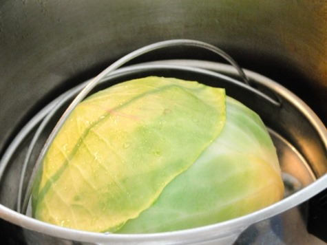 Steaming cabbage