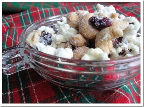 white chocolate covered salty sweet snack mix (8) (475x356)