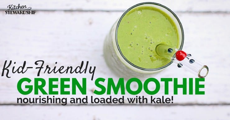 A green smoothie with kale is the perfect way for anyone to start the day. But there are some secrets to make it healthy and delicious. I'm sharing them all.