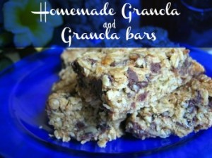 Healthy homemade granola bars with 100% whole grains and zero refined sugars. Kids LOVE them! As easy as making chocolate chip cookies! (also recipe for simple homemade granola)