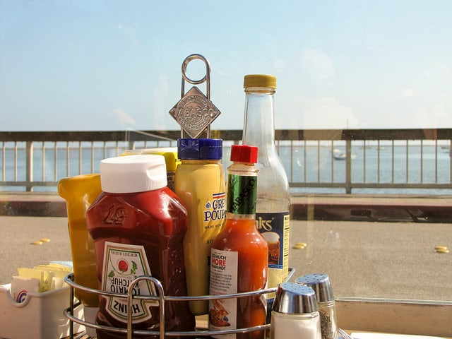 A condiment caddy