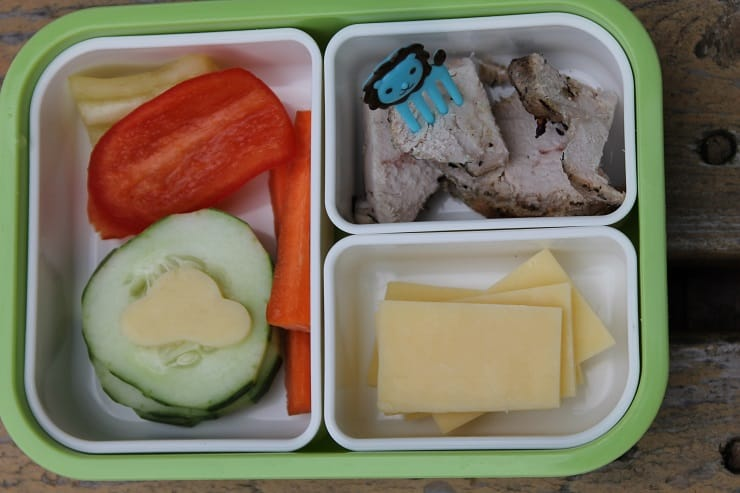 Make a homemade lunchable for a truly nourishing packed lunch - over 70 other ideas in the post!