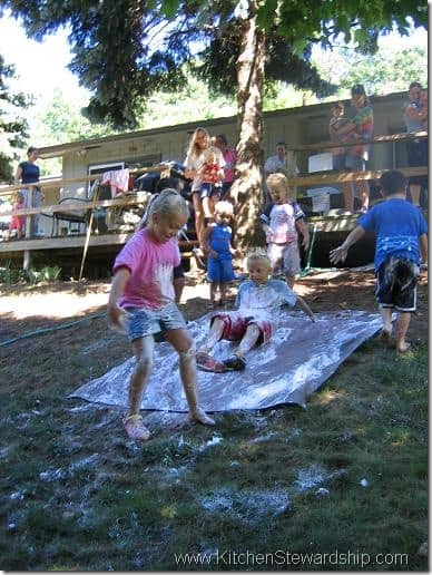 How to Throw a Messy Party (the Best Summer Kids' Gathering You'll Ever See!)