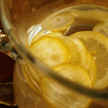 Guest Post: Benefits Of Adding Lemon To Your Water