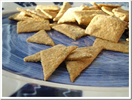 sourdough tomato basil crackers (8) small