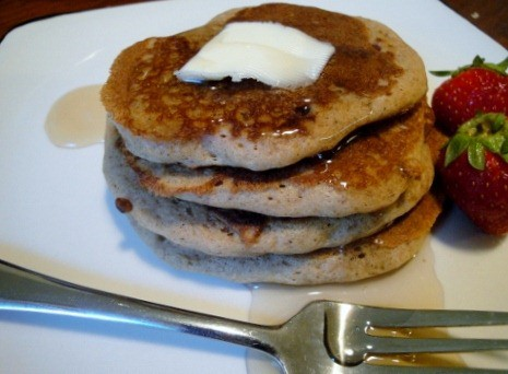 buckwheat pancakes with maple syrup (10) (475x356)