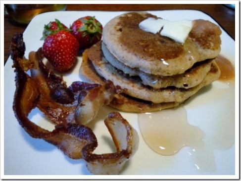 buckwheat pancakes with maple syrup (21) (475x356)