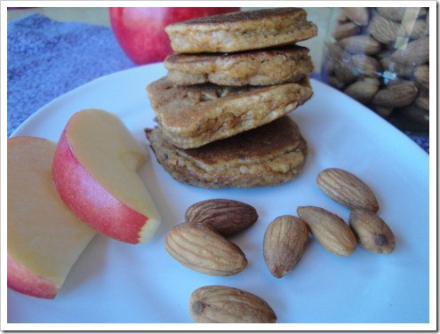 grain free almond apple pancakes (3) (475x356)