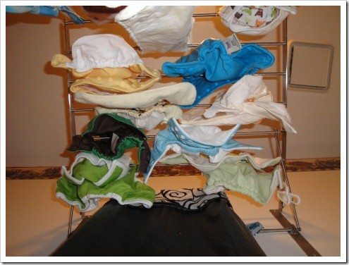 hanging cloth diapers to dry (1) (475x356)