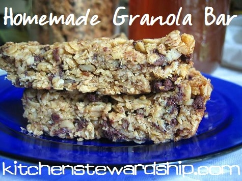 Homemade granola bars are easier than you'd imagine with this healthy granola bar recipe - chewy granola bars just like a box but without refined sugar or all the junk!