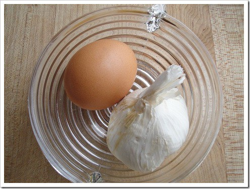 Egg and garlic market