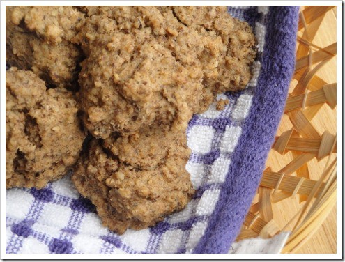 looks like whole wheat grain-free biscuits made with walnuts (4) (475x356)