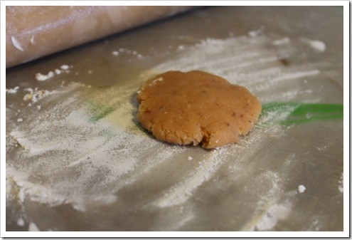 making grain free almond flour tortillas