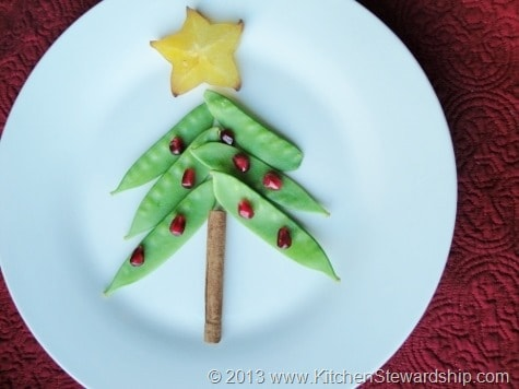 Make Christmas trees and candy canes out of fruits and vegetables! Christmas party ideas including games, real food, and crafts for elementary school kids.
