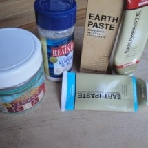 Get Your Mud Mouth on with Earthpaste (5 Winners!) {GIVEAWAY}