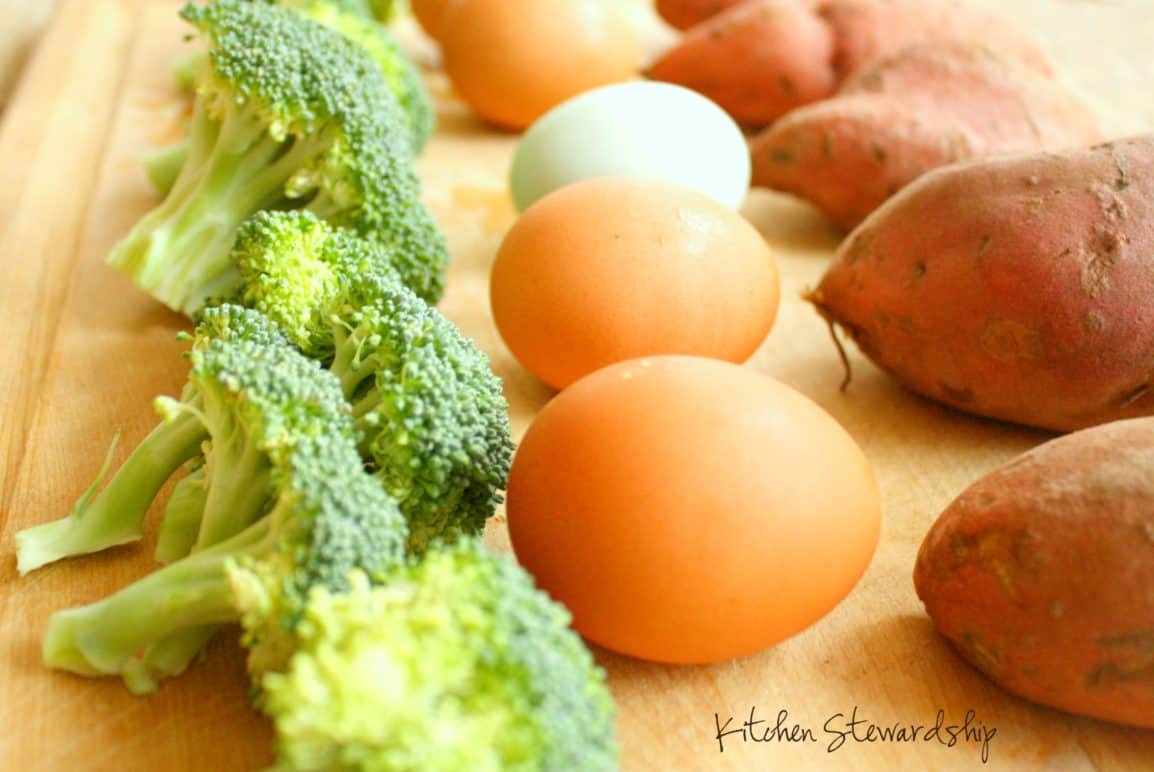 Fresh eggs and vegetables make a great meal choice.