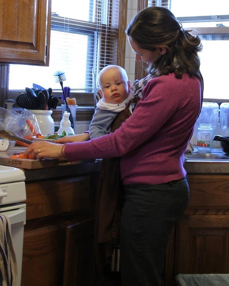 How to cook with a 5mo in a ring sling