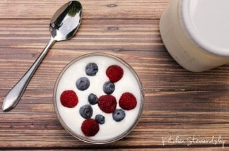 How to Cut Down on Sugar: Eat Plain Yogurt with Little or No Sweetener