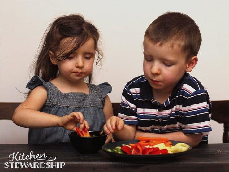 kids with food