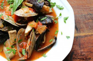 How to Make Fish Broth That Doesn't Taste Fishy (Plus Recipe for Cioppino)