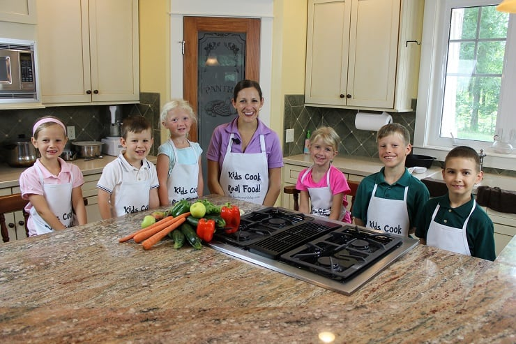 The cast from the Kids Cook Real Food eCourse