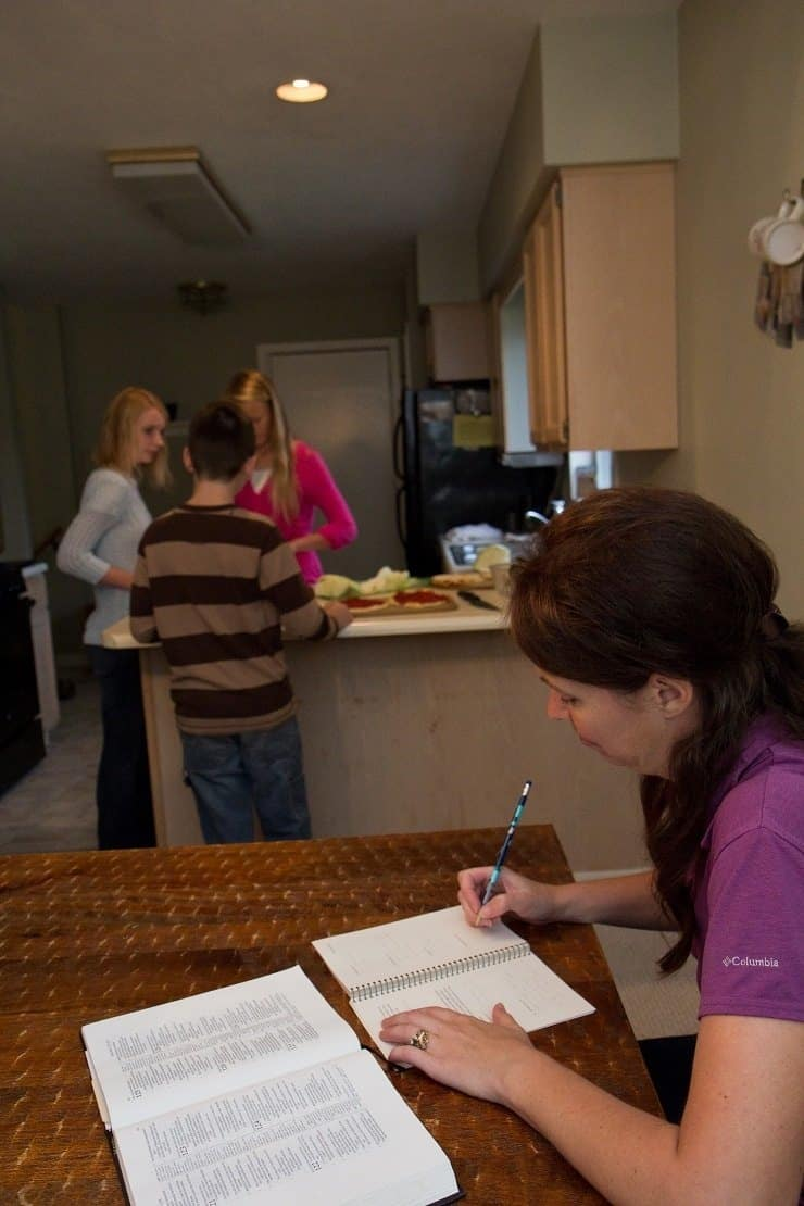Kids Cook Real Food e Course Mom getting to do Bible study while kids make dinner