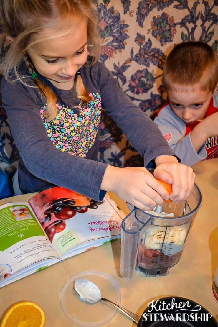 Get your kids cooking by making their own lunches. We've got 10 easy ideas they can make on their own.