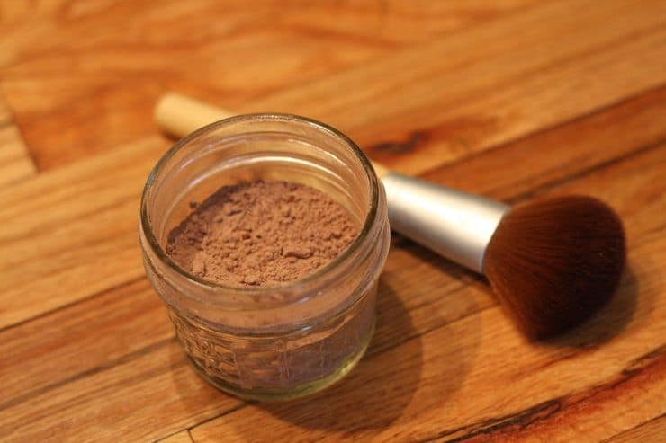 DIY All-Natural Face Powder from Kitchen Ingredients