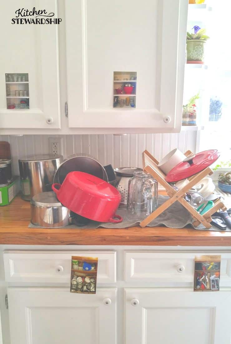 Easy solutions to get your kids to help around the house by doing chores. Take pictures of cabinets and drawers to kids can see where things belong and easily put them away....take the guesswork out of organization.