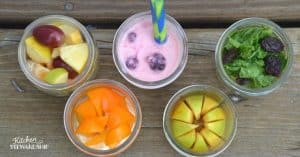 Don't stress yourself out about making lunches... have the kids do it! Easy kid made lunches using mason jars.
