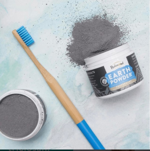 Redmond's new Earthpowder will change the way you brush your teeth! Review and how to buy.