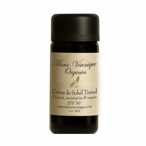 Find the best natural all day facial moisturizer with SPF. Great list and honest reviews. Marie Veronique Organics.