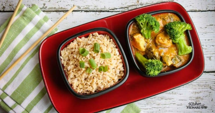 Brown rice and chicken curry masala with bok choy and broccoli
