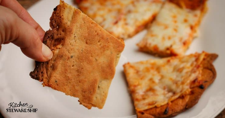 Brown and crispy gluten-free crispy pizza crust