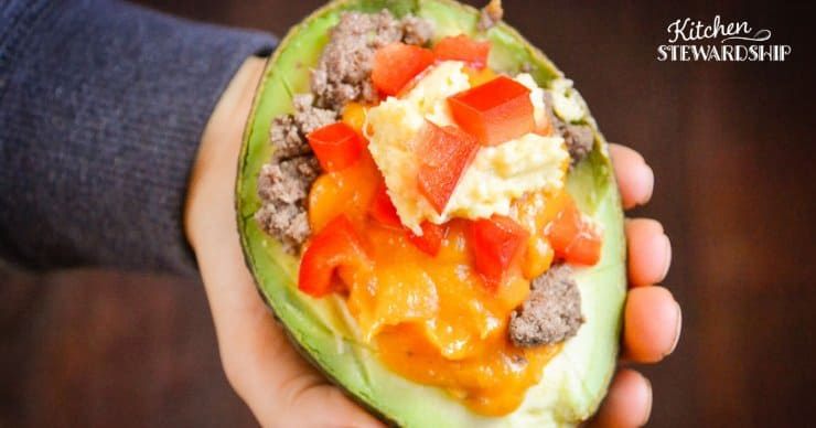 Avocado filled with beef, cheese and red pepper: Easy Grain-Free Avocado Taco Bowls