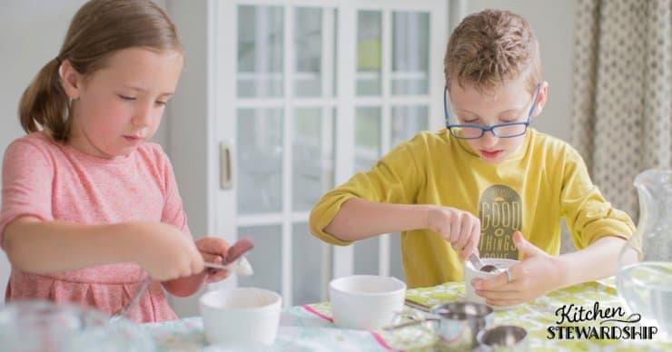 kids cooking dinner