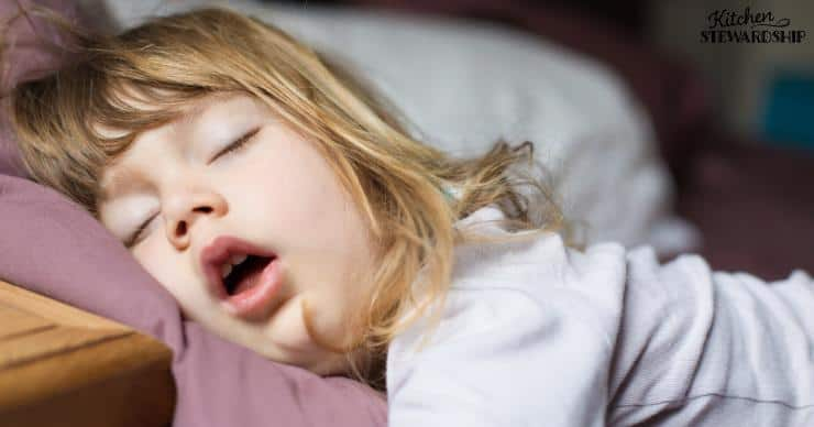 Mouth brething - a child sleeping with her mouth open