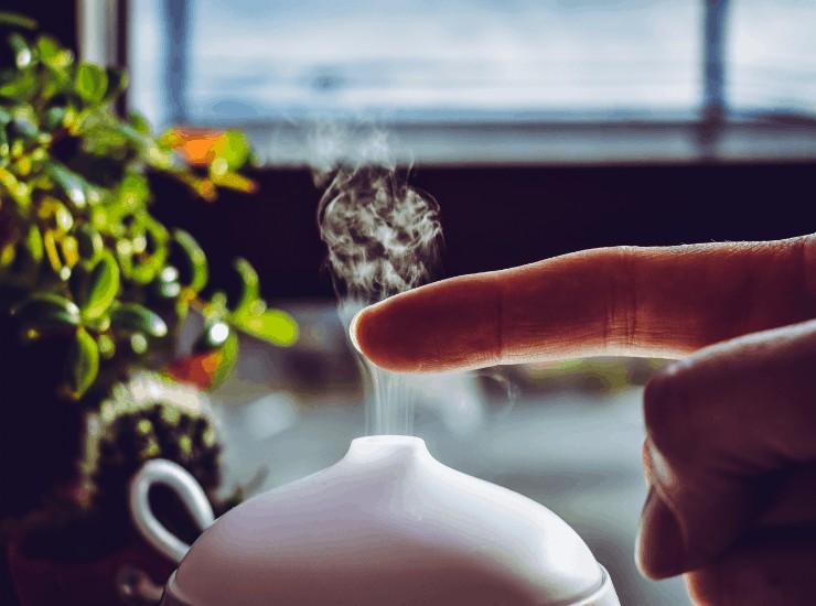 home remedies for pneumonia, essential oil diffuser
