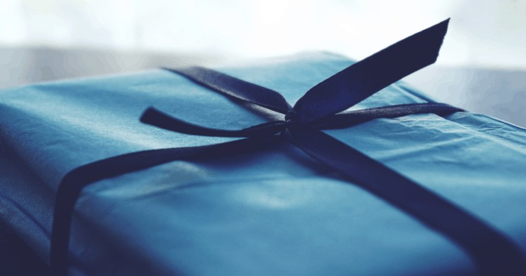 present wrapped in cloth